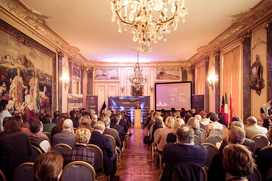 Photographie d'une salle de conférence à Bordeaux