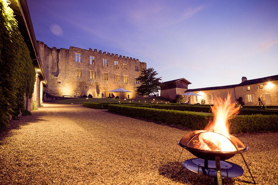 Crépuscule sur un château lors d'un reportage événementiel